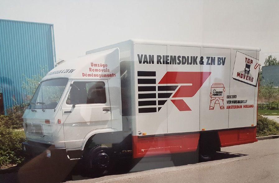 3-vanriemsdijk-verhuiswagen